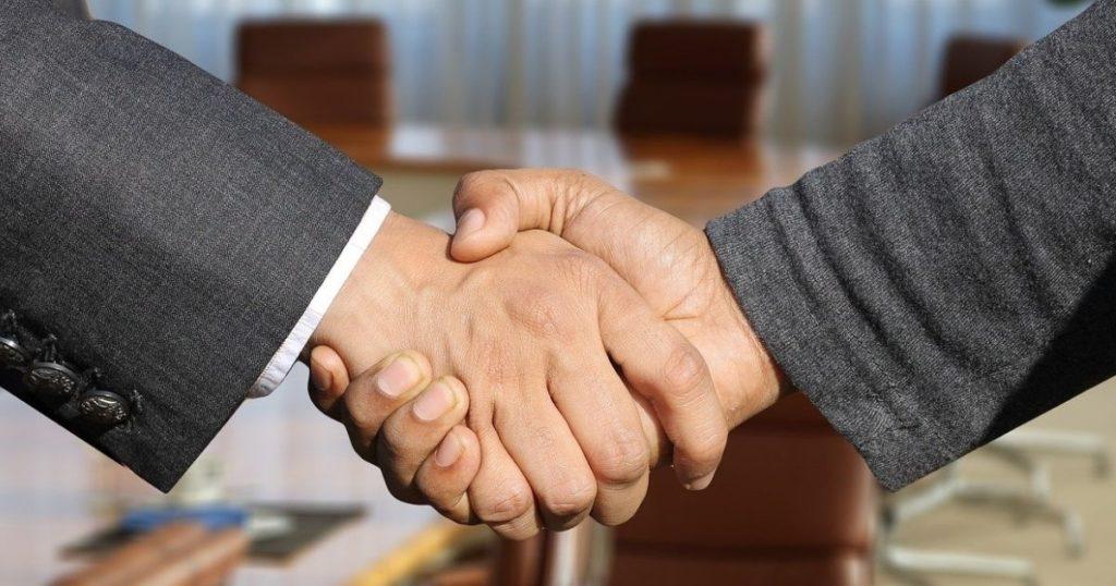 Bandprotokoll ingick i flera strategiska partnerskap i oktober.