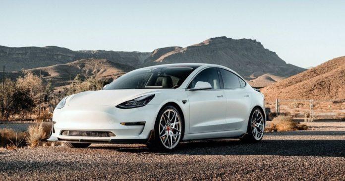Fyra Tesla-bilar är tillgängliga för Crypto.com