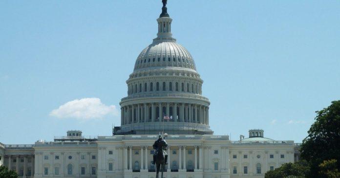 Binance hakar i USA: s senator Maxwell Baucus